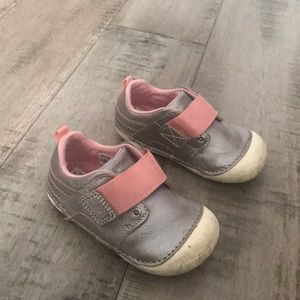 Silver and pink stride rite 6t sneakers